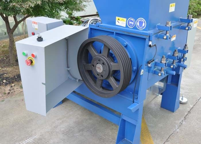 45kw Waste Plastic Crusher , Energy Saving 600r/Min Plastic Recycling Crusher