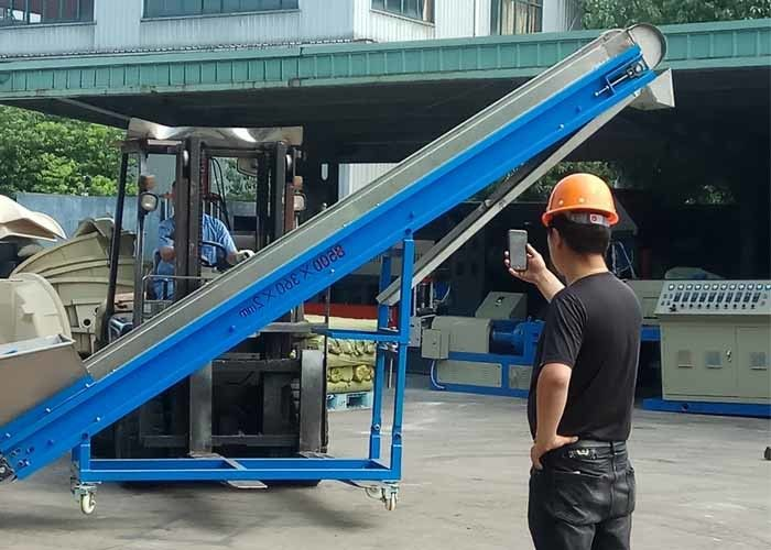 304 Stainless Steel Pipe Plastic Magnetic Conveyor , Power 0.4kw Magnetic Chip Conveyor